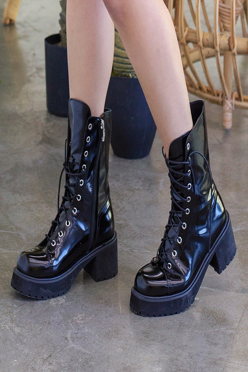 블랙피치,Faux Leather Combat Boots